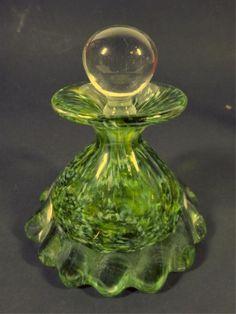 Винтажный флакон для духов зеленого цвета
