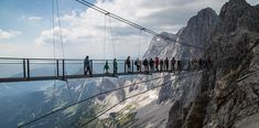 Dachstein Skywalk - onontdekte plekjes in Europa Salzburg, Playground, Louvre, World, Building, Travel, Destinations, Bucket, Europe
