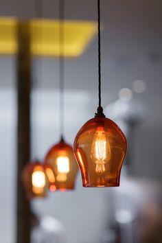 Best kitchen lighting over island single ideas Best Kitchen Lighting, Farmhouse Kitchen Lighting, Farmhouse Light Fixtures, Kitchen Island Lighting, Kitchen Pendant Lighting, Kitchen Pendants, Dining Room Lighting, Island Pendants, Copper Pendant Lights