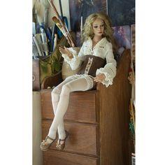 "781 mentions J'aime, 21 commentaires - Anastasiya and Sergey Lutsenko (@lutsenko_dolls) sur Instagram : ""ждём юбку... #куклаизфарфора #авторскаякукла #шарнирнаякукла ##beautifuldolls #bjd #artdolls #doll"""