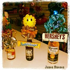 Cervezas decoradas... clasicas Diy Father's Day Gifts, Father's Day Diy, Cool Gifts, Fathers Day Gifts, Candy Bouquet, Homemade Gifts, Gift Baskets, Paper Flowers, Diy And Crafts