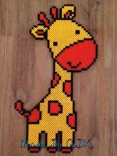 Giraffe gemaakt van strijkkralen. Gemaakt door ADK