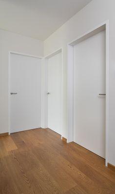 Bouwonderneming Ooms | vlakke schilderdeuren Home Door Design, Door Design Interior, Scandinavian Interior Design, House Design, Contemporary Interior Doors, White Interior Doors, White Doors, A Frame House, Duplex