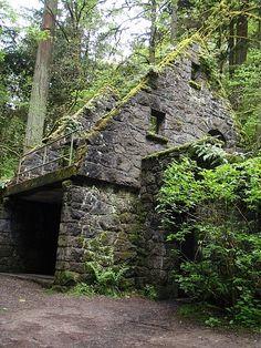 via @ TravelPod http://www.travelpod.com/travel-photo/horvath211/1/1241814360/stone-house-xin-forest-parkx.jpg/tpod.html