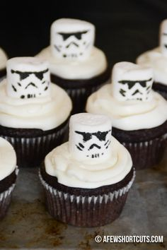 May the Force be with you in your quest for Star Wars Cake ideas