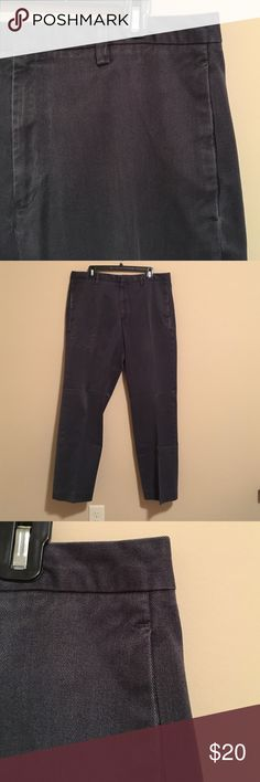 GAP Classic Fit Pants GAP Classic Fit Men's dress pants. No holes or stains. Smoke free home, make an offer! GAP Pants Dress