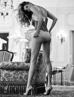 Gisele Bundchen.~ Iconic. Stunning. Exotica.