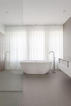 Project Image La Shed Architecture, Brighton Houses, Window Dressings, Bathroom Interior Design, Minimal Design, Clawfoot Bathtub, Bathroom Inspiration, Layout, Deco