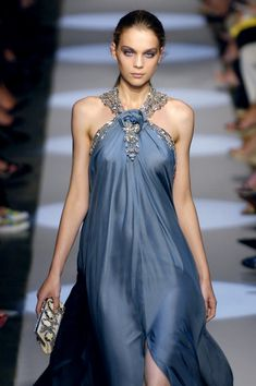 I love this. Beautiful colour. Badgley Mischka Spring