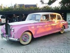 elton john's pink rolls royce phantom v....love this care