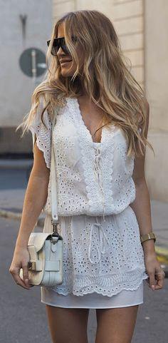 Fashion trends | Little white boho crochet dress with matching handbag