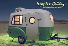 Survival camping tips Light Travel Trailers, Small Camping Trailer, Small Trailer, Camping Car, Camping With Kids, Tiny Camper, Car Camper, Cool Campers, Happy Campers