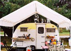Loving the canopy over the glamping camper. Vintage Rv, Trailers Vintage, Caravan Vintage, Tiny Trailers, Vintage Caravans, Camper Trailers, Vintage Motorhome, Airstream Campers, Vintage Airstream