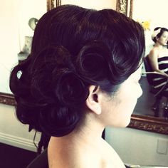 "@mixaboutiquesalon's photo: ""Friday fun hair! @kristine_orbeta #feathersandties35 #1920 #gatsby #birthdayfun #dressup #glam #hairbysamone"""
