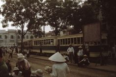 snapshots of trams reminisce about old hanoi hình 7 North Vietnam, Hanoi Vietnam, Paradise Travel, Vietnam History, Travel Icon, City Landscape, Photo Memories, Colour Images, Public Transport