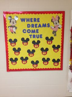 preschool Mickey and Minnie Mouse bulletin board! great idea!