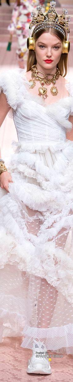 Couture Fashion, Luxury Fashion, Milan Fashion, Dolce And Gabbana 2016, Domenico Dolce & Stefano Gabbana, Ermanno Scervino, Cynthia Rowley, Carolina Herrera, Elie Saab