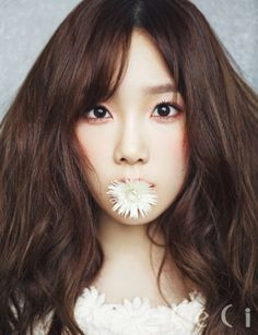 Girls' Generation's Taeyeon became an enchanting flower girl for the cover of 'CeCi' magazine!Taeyeon looked like a beautiful bride in a be… Sooyoung, Yoona, Snsd, Girls Generation, Girls' Generation Taeyeon, Yuri, Korean Girl Groups, South Korean Girls, Park Bom