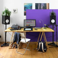 Music Production - Learn more about our music making software Live Home Studio Setup, Basement Studio, Music Studio Room, Audio Studio, Studio Desk, Music Rooms, Amsterdam Dance Event, Music Making Software, Home Studio Musik