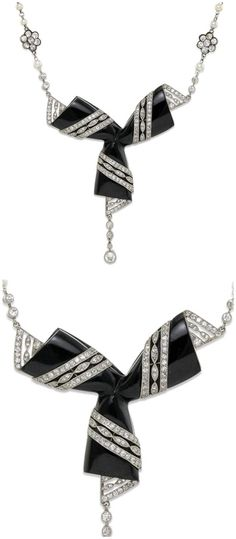 A stunning antique Art Deco diamond and onyx necklace.