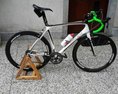 """Bike rack from the personal touch """"me and my bike"""" decorate with wooden poco. Bike Stand Diy, Bicycle Stand, Old Bicycle, Bicycle Wheel, Bicycle Art, Bicycle Design, Rack Bike, Wall Mount Bike Rack, Bike Hanger"""