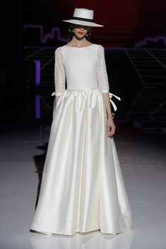 Marylise by Rembo Styling. Rembo Styling, Old Wedding Dresses, Bridal Dresses, Bridal Fashion Week, Bridal Looks, The Dress, Her Style, Marie, Fashion Show