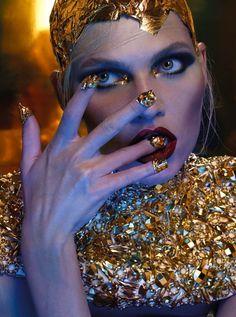 beauty  makeup  metallic  gold Aline Weber for Vogue Thailand Vogue Brazil, 839690a7d3