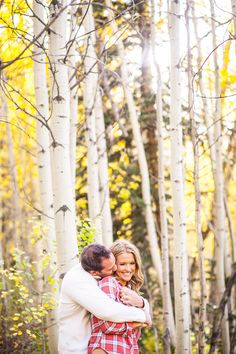 Love the Aspens in this vail engagement session