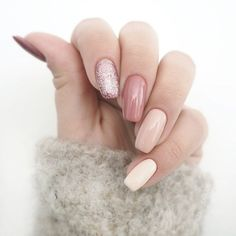 Pink, glitter and chrome nails,Pink ombre and glitter nail design