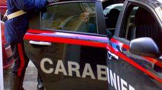Orta di Atella (Caserta), Tre uomini insospetticono i carabinieri: stavano trainando un'auto rubata