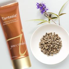 Get glowing with Tantasia, formulated with Acetyl Tyrosine and Monk's Pepper, which aid in sun-free and safe melanin formation, for a naturally tanned look. ☀