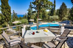 Book it now in luxury Ionian Studio Villas at Glyfada Beach Villas! Enjoy with your Family holiday Trip a at Greece most great escapes. Holiday Trip, Family Holiday, Holiday Travel, Beach Villa, Outdoor Furniture Sets, Outdoor Decor, Villas, Greece, Restaurants