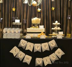 Beautiful dessert table at a New Year's Eve party! See more party ideas at ! Beautiful dessert table at a New Year's Eve party! See more party ideas at ! Nye Party, Festa Party, New Years Eve 2017, New Year's Desserts, New Year Banner, Sesame Street Birthday, Gold Bridal Showers, New Years Decorations, Holiday Decorations