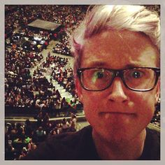 Tyler just casually taking a selfie at a 1D concert (TylerOakley)