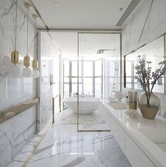Be Inspired by the best bathroom ideas by famous interior designers To see more Luxury Bathroom ideas visit us at www.luxurybathrooms.eu #luxurybathrooms #homedecorideas #bathroomideas @BathroomsLuxury