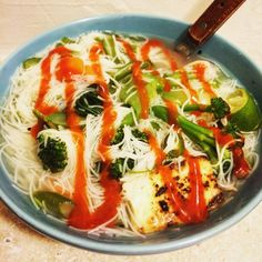 [Homemade] Pho-inspired soup with vermicelli noodles vegetables and pan fried tofu in chicken broth garnished with lime and sriracha http://ift.tt/2nttWZF #TimBeta