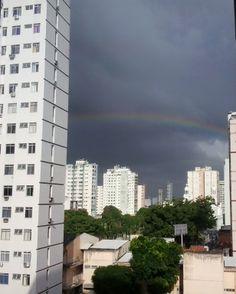 e lá vem a chuva da tarde
