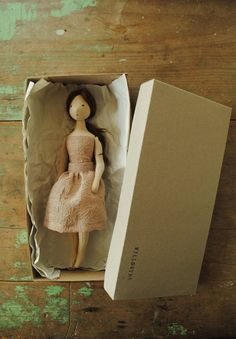 New handmade gift boxes - Willowynn...swooning! She is SO,SO beautiful!!!
