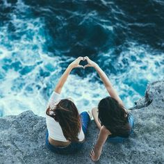 Let's make summer a splash! 32 things for teen girls to do in the summer <3