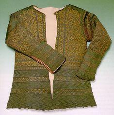 Knitted silk shirt, 17th century.