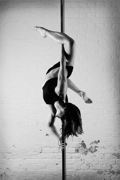 Beautifully twisty leg hang #poledancing