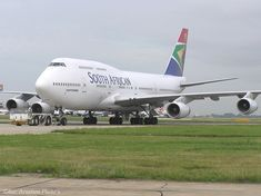 """ZS-SAX Boeing South African Airways Heathrow 2004 """"named Kempton Park"""" """"in service with SAA from 1992 until re-registered finally stored Kempton Park, Passenger Aircraft, Commercial Aircraft, Civil Aviation, World Pictures, New South, Boeing 747, Queen, South Africa"""