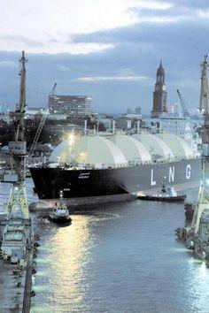 LNG super tanker.