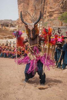 Dogon mask dance, tireli, pays dogon, mali