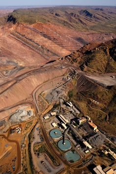 Western Australia's Argyle Diamond Mine which has made more than 750 million carats through is now the world's largest producer of pink diamond material. Argyle Diamond, The Argyle, Richest In The World, Diamond Mines, Father Time, Pink Diamonds, Rocks And Minerals, Diamond Are A Girls Best Friend, Western Australia