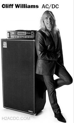 Cliff Williams - AC ⚡ DC Rock And Roll Bands, Rock N Roll, Great Bands, Cool Bands, Cliff Williams, Thunder From Down Under, Malcolm Young, Bon Scott, Highway To Hell
