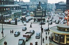 this is the picture of St Enoch Sq. that I remember. Underground, bus terminus, pubs and shops all round. A rendezvous for shoppers couples and lost weans alike ! Scotland Kilt, Glasgow Scotland, Scotland Travel, Edinburgh, Glasgow City, Old Trees, Places Of Interest, England Uk, Old Pictures