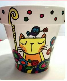 Clay Pot Projects, Clay Pot Crafts, Painted Plant Pots, Painted Flower Pots, Pottery Painting, Ceramic Painting, Clay Pot People, Flower Pot Design, Decorated Flower Pots