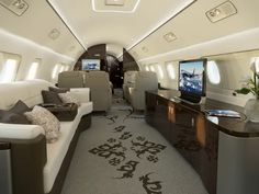 Most Luxurious Private Jets in the World Jets Privés De Luxe, Luxury Jets, Luxury Private Jets, Private Plane, Luxury Van, Embraer Lineage 1000, Avion Jet, Executive Jet, Private Jet Interior
