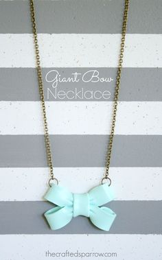 Giant Bow Necklace T